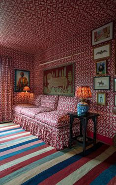 Wallpaper and Fabric in Lotus Palmette Raspberry, shown with The Tuileries Sofa, The Sultan Side Table and The Weymouth Floor Light, all by Soane Britain. Wallpaper Ceiling, Home Wallpaper, Beautiful Interiors, Beautiful Homes, Snug Room, Red Rooms, White Sofas, Vintage Interiors, Living Spaces