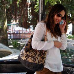 Saco grande – Pimenta preta Lace Bag, Large Bucket, I'm Happy, African Fashion, Bucket Bag, Ruffles, Sunglasses Women, Handbags, Crochet