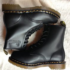 Dr Martens 1460  Black Smooth Size:UK3-UK10 ,EU36-EU45/46 Email:wangxia11073@hotmail.com Dr Martens 1460, Dr. Martens, Cherry Red, Red Green, Combat Boots, Smooth, Navy, Shoes, Black