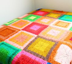 Bright Vintage Crocheted Blanket, from close inspection I believe the texture is achieved by back post stitches. Diy Crochet And Knitting, Crochet Quilt, Crochet Squares, Crochet Granny, Love Crochet, Granny Squares, Cute Blankets, Crochet Blankets, Vintage Blanket