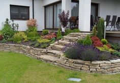 Classic House Design, Beautiful Flowers Garden, Small Garden Design, Outdoor Living, Outdoor Decor, Garden Crafts, Front Yard Landscaping, Home And Garden, Landscape