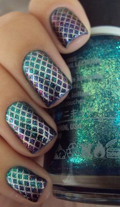 Mermaid Tail Nails- 2 layers Halley's Comet - Orly Esponjado with Groupie - LA Girls 2 layers Moonbow - Hits Stamp with Konad little plate and enamel Excellence - Eliana Seche Vite layer 1