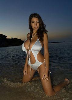 Jana Defi - twilight in the sea