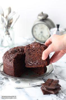Torta yogurt e cioccolato – New Cake Ideas Coconut Hot Chocolate, Homemade Chocolate, Melting Chocolate, Chocolate Recipes, Chocolate Cake, Chocolate Yogurt, Sweet Recipes, Cake Recipes, Gateaux Cake