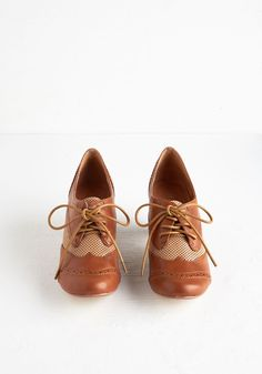 That's Strut I'm Talking About Heel. Power through todays full course load in the smart style of these caramel-brown pumps from Chelsea Crew! #tan #modcloth