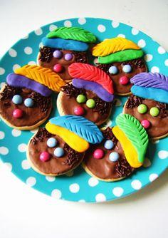 nl silly old suitcase: Zwarte Piet koekjes. Creative Snacks, Saint Nicolas, Actifry, Old Suitcases, Dutch Recipes, Food Humor, Something Sweet, Party Snacks, High Tea