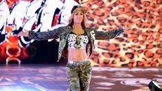 SmackDown 12/13/16: Natalya vs. Carmella