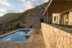 Elafivolia luxury hotel in Arahova   Living Postcards - The new face of Greece