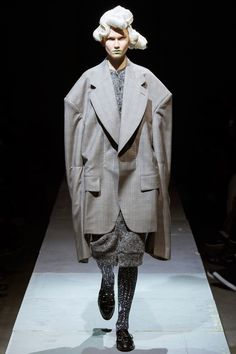 Comme des Garçons Fall 2014 RTW - Runway Photos - Fashion Week - Runway, Fashion Shows and Collections - Vogue