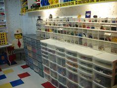 www.brickshelf.com gallery thinice LEGORoom2 dsc02111.jpg