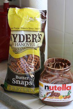 nutella with gluten free pretzels! Gluten Free Pretzels, Nutella Recipes, Snack Recipes, Snacks, Pretzel Bakery, Ice Cream Bites, Hazelnut Spread, How Sweet Eats, Bon Appetit