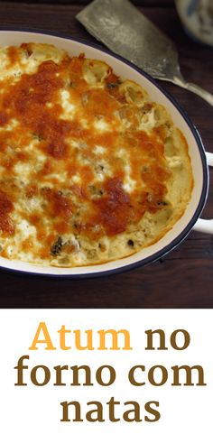 If you don't know what to do for lunch or dinner this recipe is perfect for you! Tuna in the oven drizzled with cream and béchamel is a simple recipe to prepare, very tasty and with excellent presentation. Food C, Slow Food, Kids Meals, Easy Meals, My Favorite Food, Favorite Recipes, Portuguese Recipes, Food Goals, I Love Food