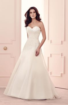 Paloma Blanca :: Sweetheart A-Line Wedding Dress  with No Waist/Princess Seams in Alencon Lace. Bridal Gown Style Number:32980088