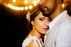 Noiva Larrissa Rodrigues com Coroa Bardot Rosé - Tulle Noivas. #casamento #wedding #bride #noiva #bridal #bridalaccessories #flowercrown