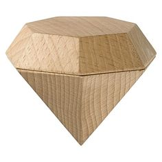 Sophisticate and modernise your special storage with the contemporary design of the Diamond Trinket Box from Areaware.