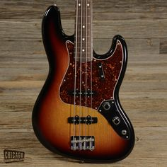 Fender '62 Reissue Jazz Bass Sunburst 2008 (s280)