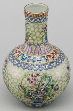 Hand painted dragons and flowers porcelain vase from Jingdezhen, China by Silk Road Collection, via Flickr