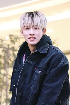 I really loved his blonde hair tho Kim Hanbin Ikon, Ikon Kpop, Hip Hop, Yg Entertainment, Ikon Member, Warner Music, Ikon Debut, Korean Boy, Korean Music