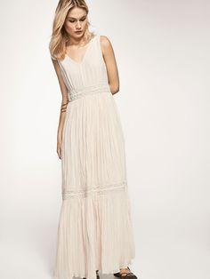 L2017 https://www.massimodutti.com/pl/kobieta/sukienki-i-spódnice/długa-sukienka-z-ozdobnymi-aplikacjami-c1745869p7959106.html?colorId=721