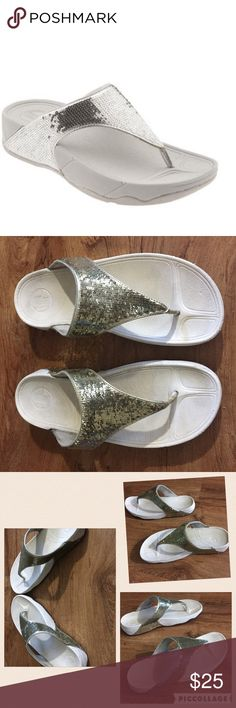 """FitFlop """"Electra"""" Silver Sequin Flip Flop Sandals FitFlop """"Electra"""" silver Sequined sandals. Show some normal signs of wear, but no missing sequins. Size 11.  #fitflop #flipflop #sandals #electra #silver #sequined #bling #punkydoodle   No modeling Smoke free home I do discount bundles FitFlop Shoes Sandals"""