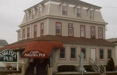 Anglesea Pub for delicious dining in North Wildwood, NJ - corner of 1st Avenue and New Jersey Avenue