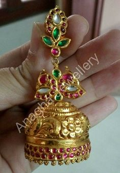 Jade Jewelry Store Near Me Jewellery Online Training Jade Jewelry, India Jewelry, Jewelry Findings, Ethnic Jewelry, Gold Earrings Designs, Necklace Designs, Indian Wedding Jewelry, Bridal Jewelry, Indian Bridal