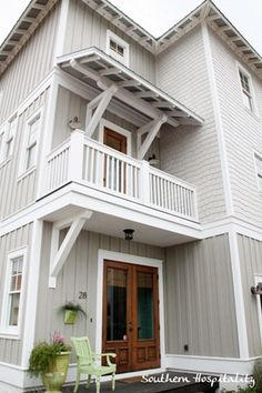 ideas for exterior house colors beach decks Beach Cottage Style, Beach Cottage Decor, Coastal Cottage, Beach Cottage Exterior, Modern Farmhouse Exterior, Cottage Ideas, Coastal Style, Exterior Paint Colors, Exterior House Colors