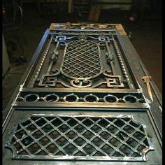 Steel Gate Design, Iron Gate Design, House Gate Design, Front Door Design, Metal Gates, Wrought Iron Doors, Window Grill Design, Stainless Steel Doors, Iron Furniture