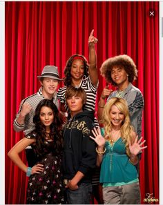High School Musical Cast Vanessa Hudgens, Zac Efron, Ashley Tisdale, Lucas Grabeel, Monique Coleman & Corbin Bleu