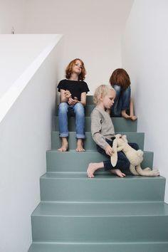 Tessa Hop stairs