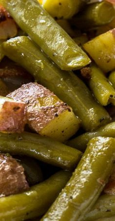 Country Ranch Green Beans and Potatoes have lots of crumbled bacon and ranch seasoning mixed in for a truly flavorful southern side. Pair this delicious veggie side dish with chicken, steak, or pork. Side Dish Recipes, Veggie Recipes, Healthy Dinner Recipes, Vegetarian Recipes, Cooking Recipes, Dishes Recipes, Canned Vegetable Recipes, Canned Green Bean Recipes, Steak Recipes