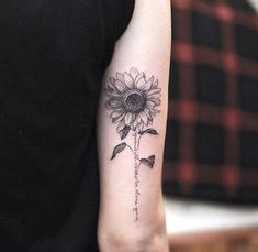 Sep 2019 - Sleeve Tattoos are quite popular with men and have a way of enhancing the masculine features of the wearer. Explore best Sleeve Tattoo ideas for Men… Mommy Tattoos, Sister Tattoos, Couple Tattoos, Life Tattoos, Body Art Tattoos, Small Tattoos, Tattoos For Guys, Tattoos For Women, Sunflower Tattoo Sleeve