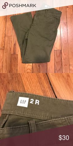 Gap Olive Green Ankle Pants The perfect style and color for fall! These pants add a little something extra to an outfit normally paired with jeans! Never worn GAP Pants Ankle & Cropped