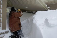 And, I swear, somewhere in here is another house. | 25 Truly Terrifying Pictures Of The Snow In Eastern Canada Right Now
