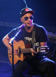 Tom Morello calls for 10,000 guitar players to play in May Day Occupy Wall Street 'band'