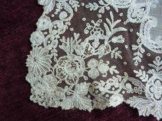 Plus de details sur www.lagrandegoule.fr -  ref 1218 - Magnifique mouchoir ancien 19e