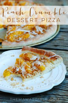 Peach Crumble Dessert Pizza When you find a great recipe like this Pizza Dough, you'll soon have it memorized and will be making it all the time! This dough is so versatile. In this recipe, the dough is used for this delicious Peach Crumble Dessert Pizza. Köstliche Desserts, Delicious Desserts, Dessert Recipes, Yummy Food, Summer Desserts, Peach Pizza, Sweet Pizza, Peach Crumble, Dessert Pizza