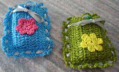 geurzakjes van plastic zakken gehaakt