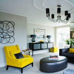 Wohnzimmer gelb schwarz  wohnzimmer sofa grau gelbe dekokissen heller teppich wanddeko ...