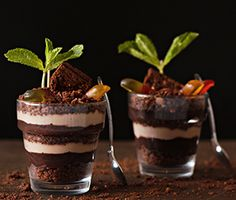 Brownie Brittle Dirt Cups - http://browniebrittle.com/recipes-all/dirt-cups-featuring-brownie-brittle/