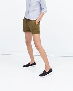 Image 2 of SHORTS WITH BIG POCKETS from Zara