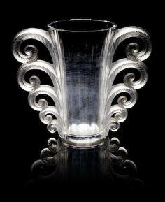 René Lalique 'Beauvais' a Twin-handled Vase, design 1931