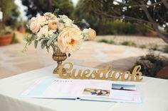 """Guestbook-Zeichen für Hochzeit freistehende """"Gästebuch"""" - hölzerne Hochzeit Zeichen für Rezeption Dekor (Item - TGU100) von ZCreateDesign auf Etsy https://www.etsy.com/de/listing/262912776/guestbook-zeichen-fur-hochzeit"""