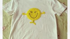 A very easy tutorial showing you how to make a Mr Happy Mr Men t-shirt...