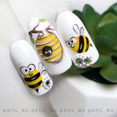 Summer pedicure nail art manicures New ideas Animal Nail Designs, Animal Nail Art, Nail Art Designs, Rose Nail Art, 3d Nail Art, Bee Nails, Nail Drawing, City Nails, Manicure E Pedicure