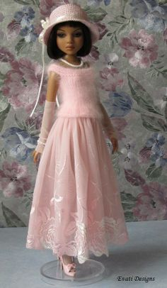 Ellowyne, OOAK Outfit by *evati* via eBay SOLD 5/11/14   $66.88