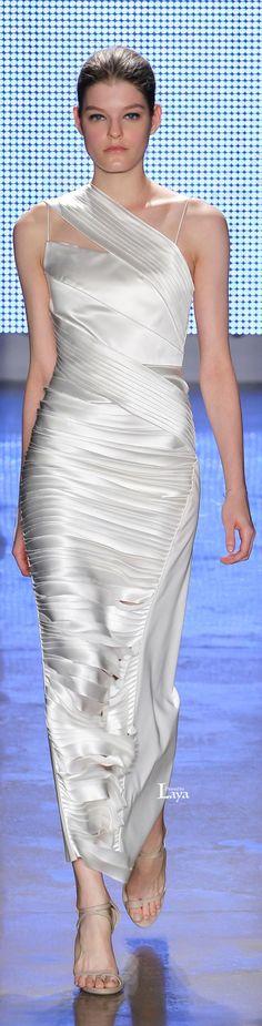 Fall 2015 Ready-to-Wear Dion Lee Glamorous Evening Gowns, White Evening Gowns, Gowns Of Elegance, Elegant Gowns, Fashion Show, Fashion Design, Fashion 2016, Oscar Dresses, Designer Gowns