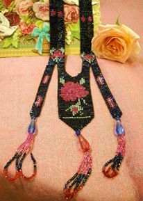 1920s long beaded necklace with rose design