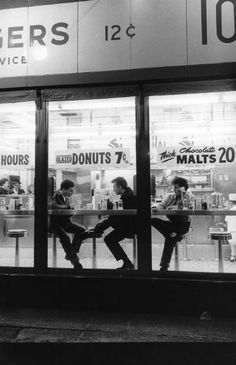 Wasted Youth, 1962 by Wayne Miller on Curiator, the world's biggest collaborative art collection. Wayne Miller, Tom's Diner, Mom So Hard, Peek A Boo, Digital Museum, Vintage Cafe, Soda Fountain, Collaborative Art, Magnum Photos