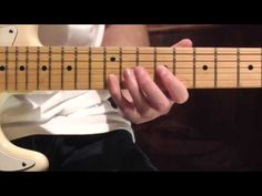 Proud Mary(CCR) - Vídeo tutorial con tabs Creedence Clearwater Revival, Guitar Riffs, Guitar Chords, Beginner Electric Guitar, Blue Guitar, Shocking Blue, Guitar Chord Chart, Guitar Tutorial, Guitar Parts